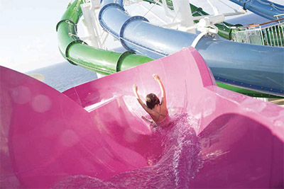 Water slide © NORWEGIAN CRUISE LINES