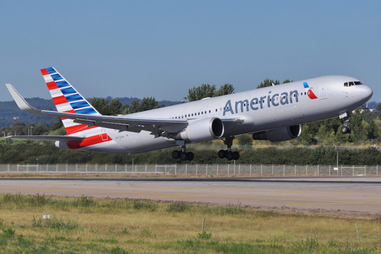 American Airlines New Colors