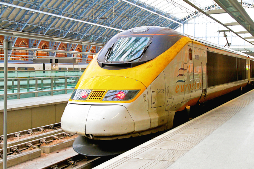Eurostar train on at St. Pancras station in London, UK © Baloncici | Dreamstime.com